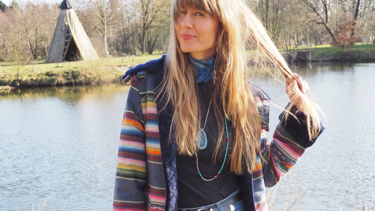 Nachgestyled: Carlotta Oddi Look 1 – die bunte Ethnojacke
