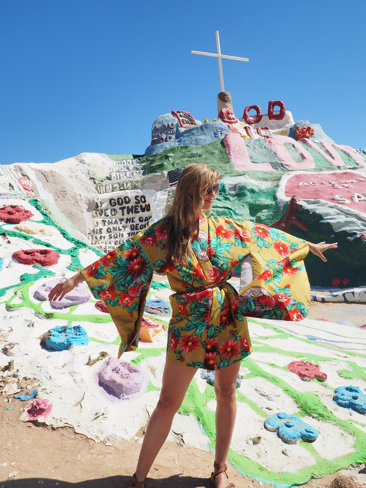 Salvation Mountain_California_golden cage_Vintage_Kimono_4