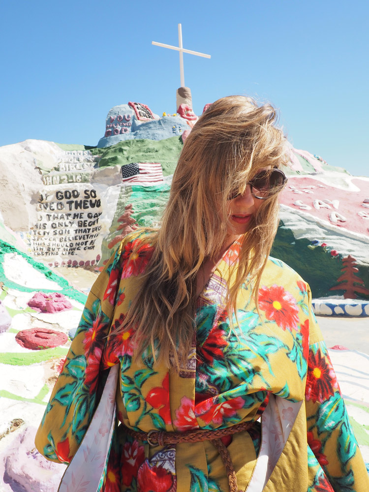 Salvation Mountain_California_golden cage_Vintage_Kimono