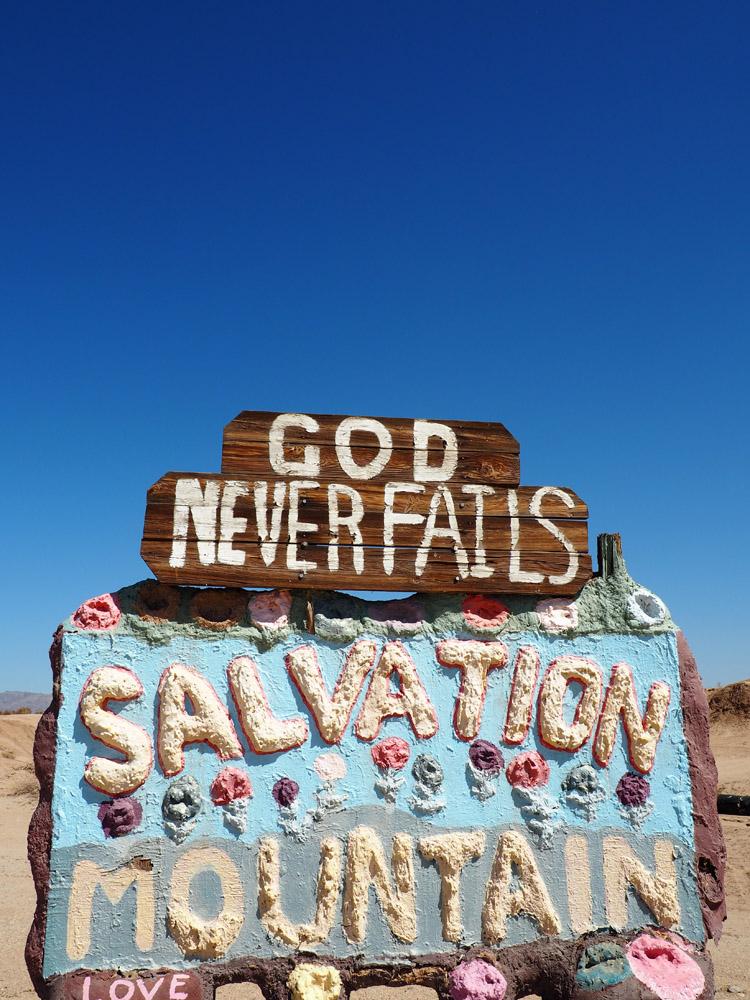 Salvation Mountain_California_golden cage_4