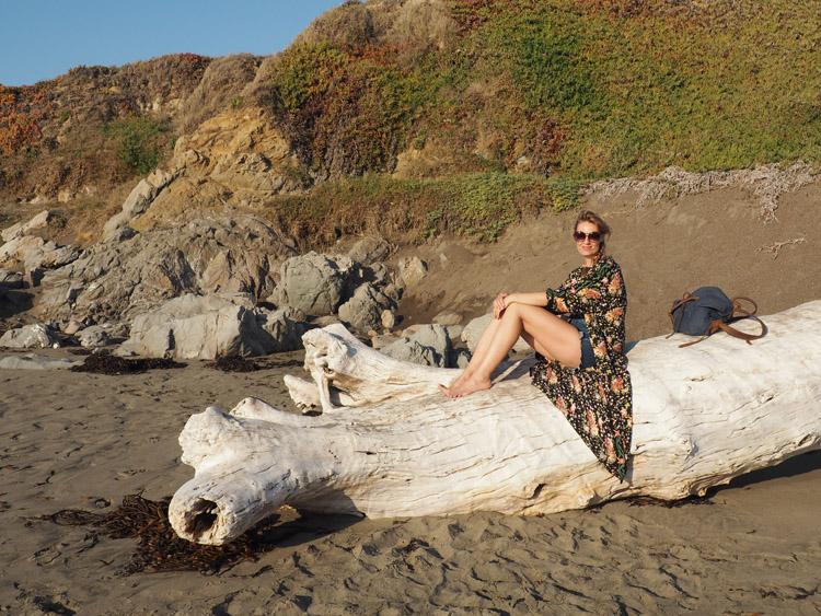 Kimono ZARA_Denimshorts Vintage_T-Shirt Diesel Vintage_Moonstone Beach_Cambria_Kalifornien_2