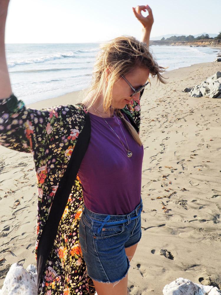 Kimono ZARA_Denimshorts Vintage_T-Shirt Diesel Vintage_Moonstone Beach_Cambria_Kalifornien_8