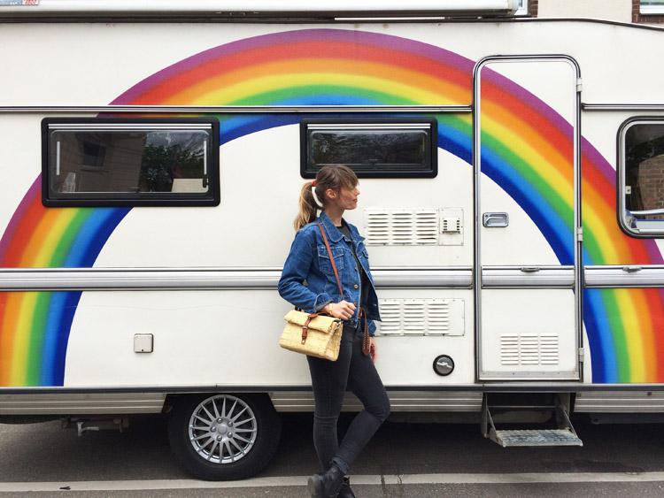 Rainbow Caravan_Jeansjacke Vintage_Korbtasche Toino Abel via BLACK VELVET CIRCUS_3