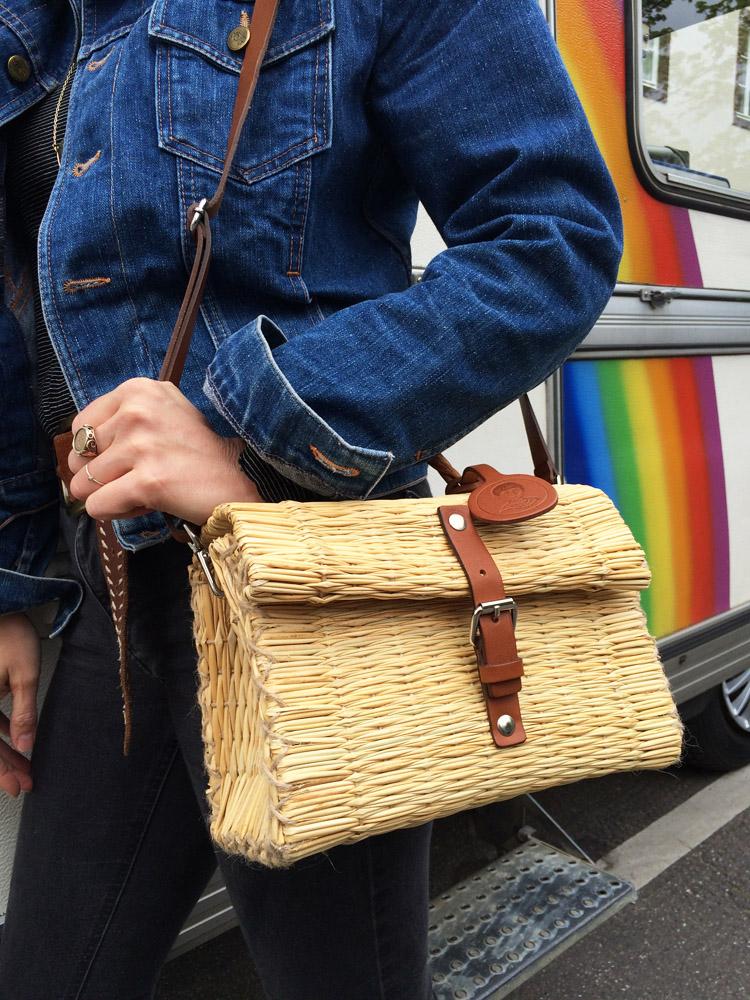 Rainbow Caravan_Jeansjacke Vintage_Korbtasche Toino Abel via BLACK VELVET CIRCUS_5