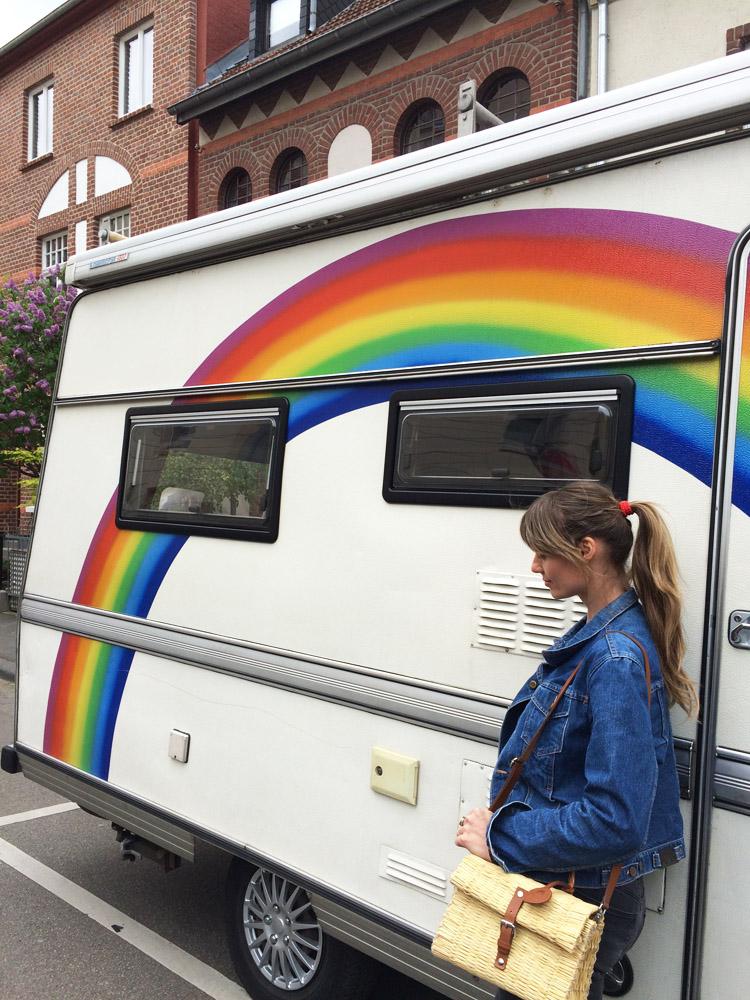 Rainbow Caravan_Jeansjacke Vintage_Korbtasche Toino Abel via BLACK VELVET CIRCUS_6