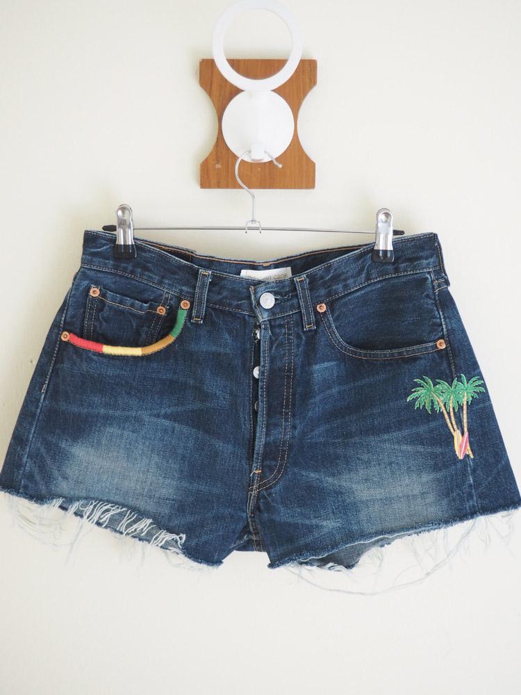 Jeans Shorts_Santa Barbara_Vintage Levis 501_Aufnäher_bestickt_golden cage