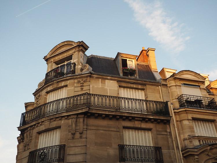 Paris_Montmarte_golden cage_Mädelstrip