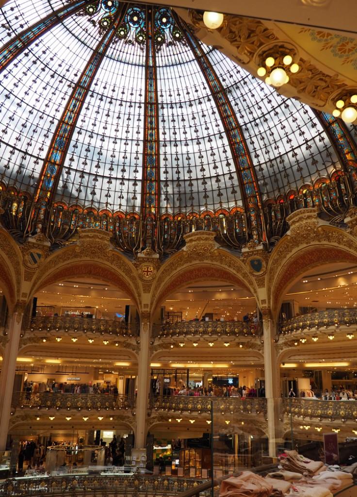 Paris_Galleries Lafayette_inside_golden cage