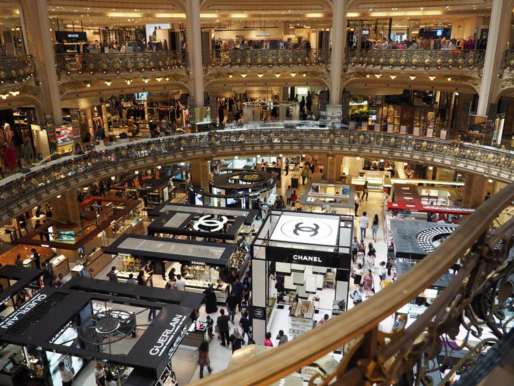 Paris_Galleries Lafayette_inside_golden cage_2