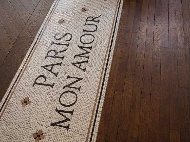 Paris_L'Appartement_Sézane_Rue Saint Fiacre_golden cage_2