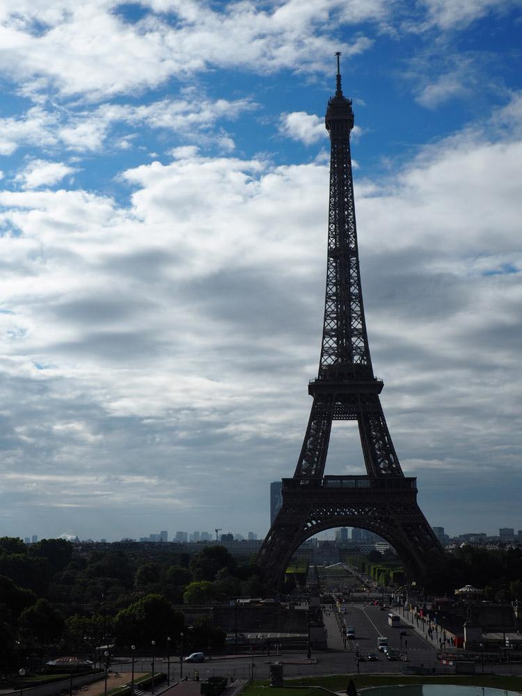 Paris_Eiffelturm_golden cage_Mädelstrip