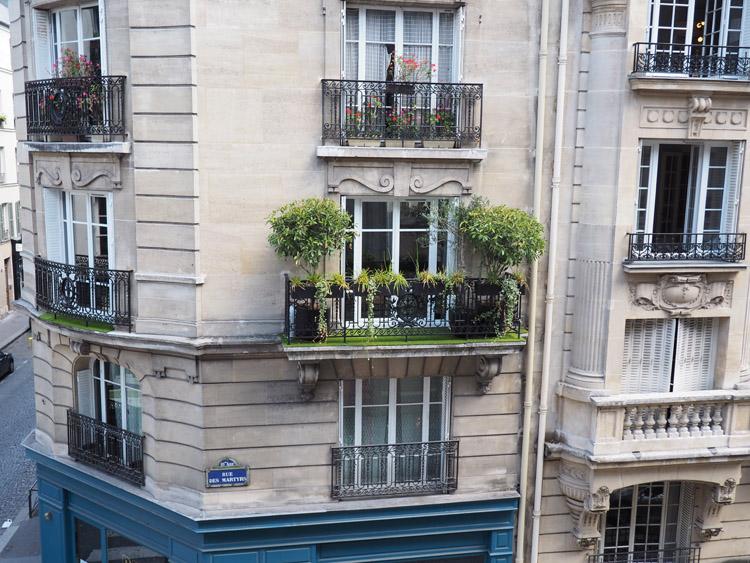 Paris_Montmarte_golden cage_Mädelstrip_3