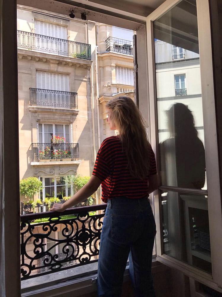 Paris_Outfit_&other stories Shirt_Levis 501_golden cage