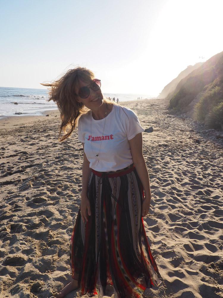 T-Shirt Sézane_Mes Demoiselles Skirt_Hendry's Beach_Santa Barbara_golden cage_3