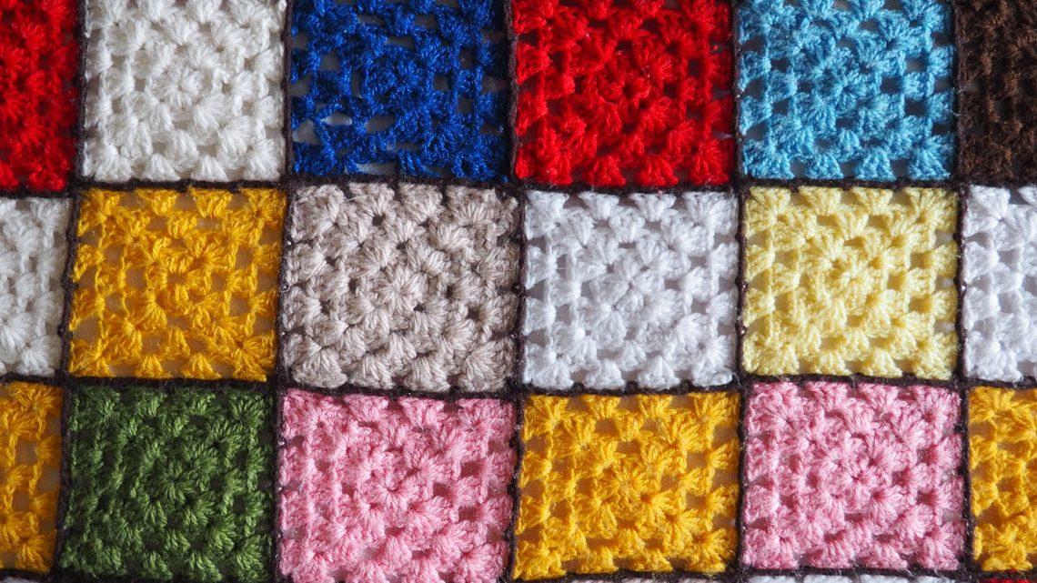 Der bunte Häkelsweater-meine DIY-Herausforderung im Herbst